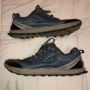Altra Teal Gray Superior 2.0 10 Trail Running Shoe